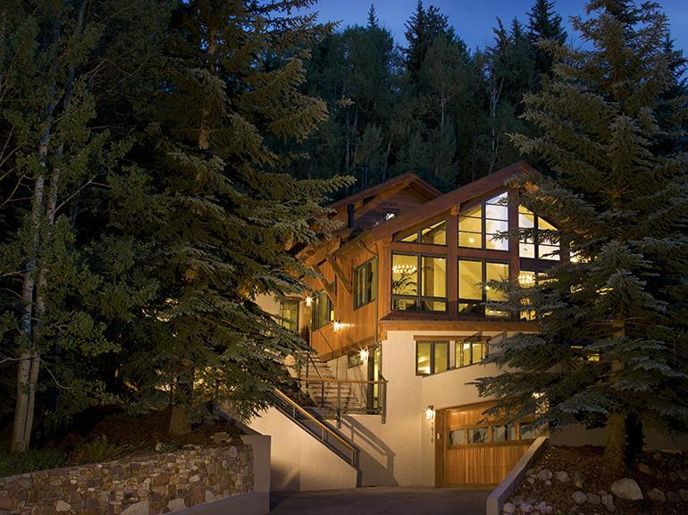 Gore Creek Lodge is located in West Vail, directly on the free Town of Vail bus - Luxurious, Close to Bus, Hot Tub, Views - Vail - rentals