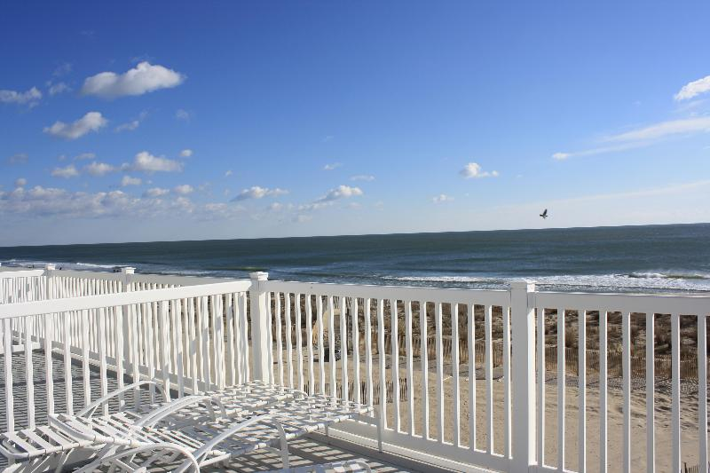 View from top balcony - 4 Bdrm + Loft Oceanfront Townhouse - Ocean City - rentals