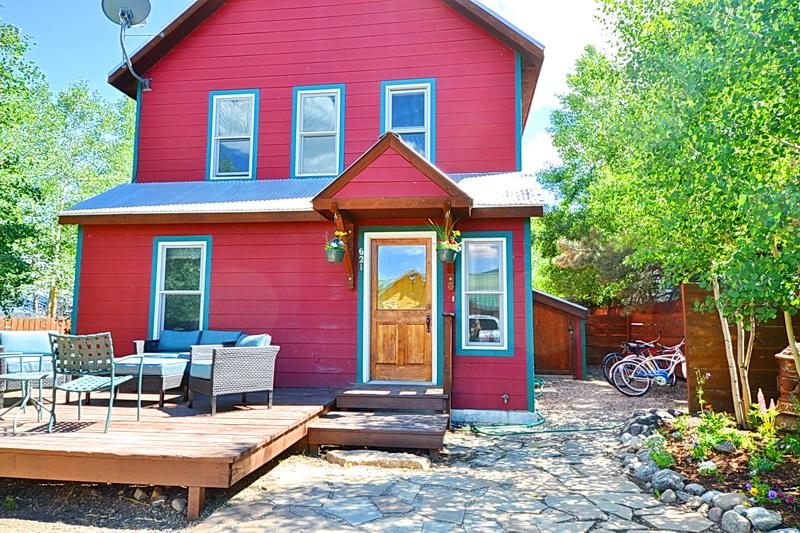 $250/Nt! In town! Sunny! Pets!  Deck! Slps 6-8! - Image 1 - Crested Butte - rentals