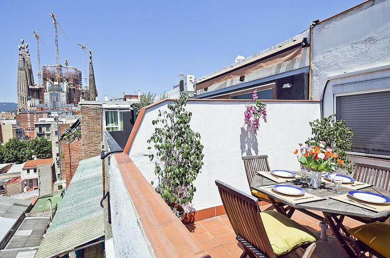 Be Barcelona Sagrada Familia Penthouse 1 - Be Barcelona Sagrada Familia Penthouse up to 5! - Barcelona - rentals