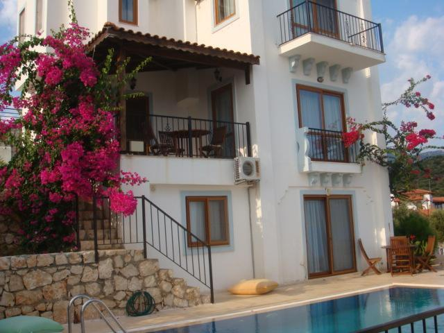 4 bedroom villa on the exclusive Kas peninsular - Image 1 - Kas - rentals