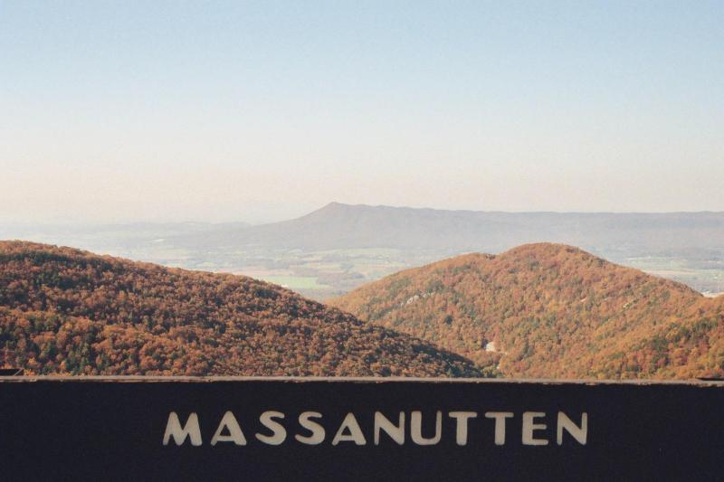 Massanutten Mountain from Skyline Drive - Mountaintop Retreat-11/12-21,3 nights-pay for 2 - Massanutten - rentals