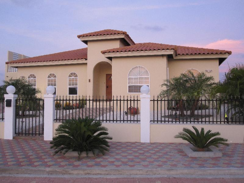Aruba House for Rent with Ocean View - Image 1 - Palm Beach - rentals