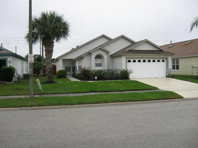 Florida Dreams 5/4/3, Bedroom Villa,3 Miles Disney - Image 1 - Kissimmee - rentals