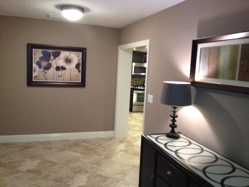 Foyer - 3BR/2BA Pool Home - Newly Remodeled Close to Beach - Naples - rentals