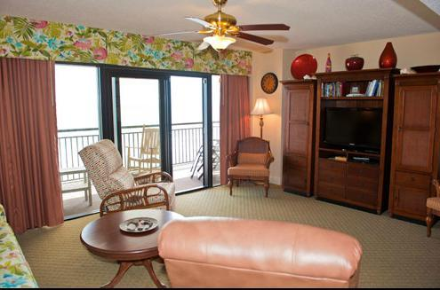 Kick back and relax, sleeper sofa, 2 recliners, 2 more guest chairs, room or everyone - OCEAN FRONT  3bdr Island Vista on the Golden Mile - Myrtle Beach - rentals