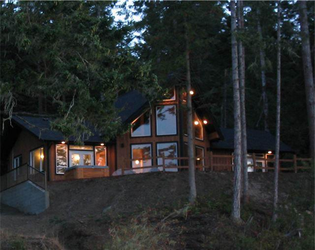 Heron Point House - Image 1 - East Sooke - rentals