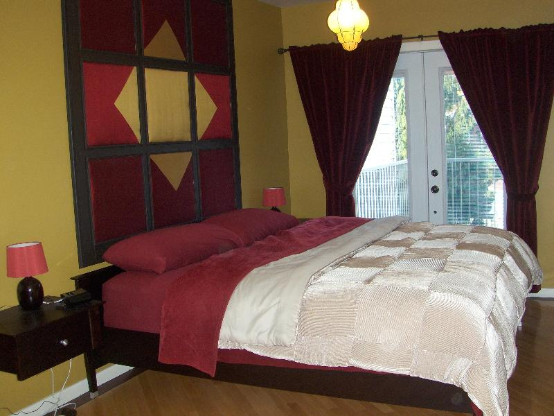 Gorgeous 2 bedroom gem near downtown - Image 1 - Montreal - rentals