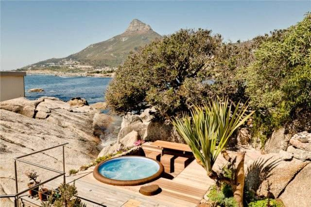 Beach Bungalow with jacuzzi in Camps Bay/ Bakoven - Image 1 - Camps Bay - rentals
