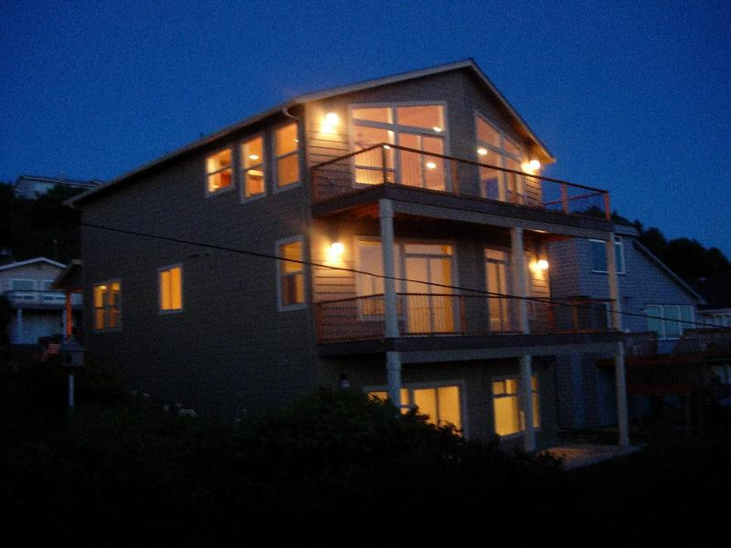 Exterior View facing the Coast - Spectacular 180 View w/Hot Tub - Lincoln City - rentals