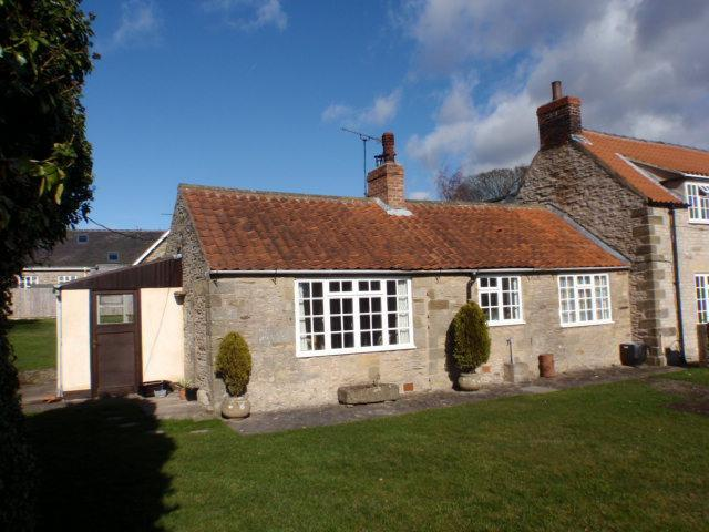 Keepers Cottage with south facing private garden. - Keepers Cottage Gillamoor, for 4, North York Moors - North York Moors National Park - rentals