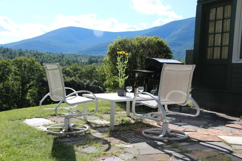 The view from the innkeeper's cottage - Innkeeper's Cottage, Views, pool, tennis, sleeps 6 - Manchester - rentals