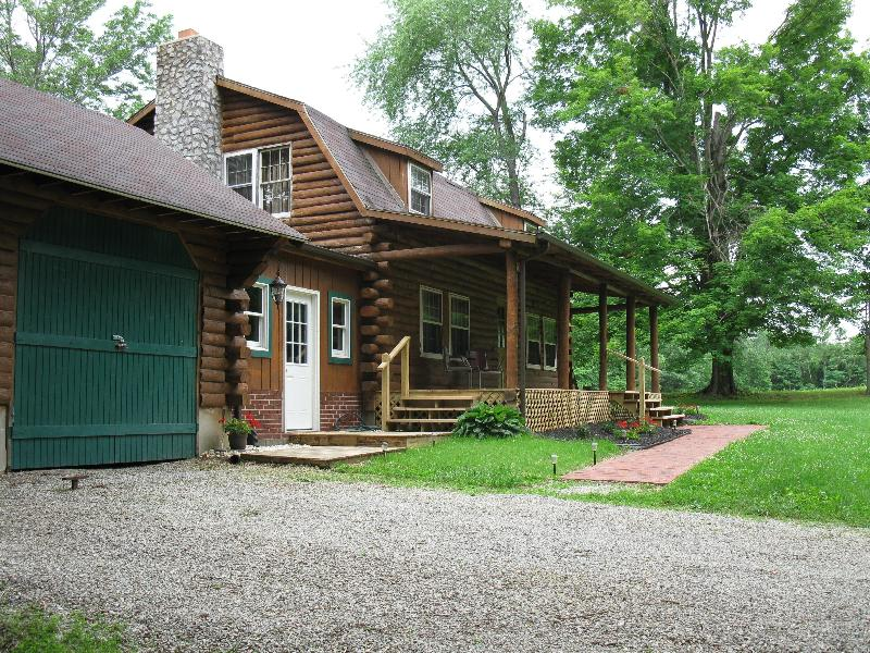 Front of Cabin - Son Shine Cabin Secluded and Peaceful - Madison - rentals