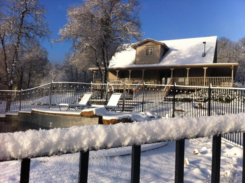 February snowfall, melted by afternoon - Entrance Fee to Yosemite on us! Merry Posy Ranch - Mariposa - rentals