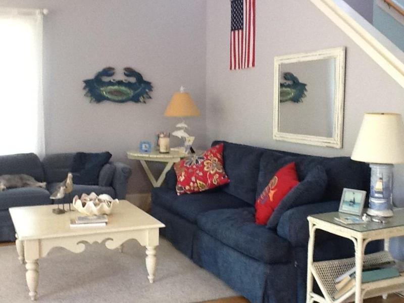 Living room is spacious and comfortable - Reasonable Rate. Spacious, next to Rosemary Beach: - Inlet Beach - rentals