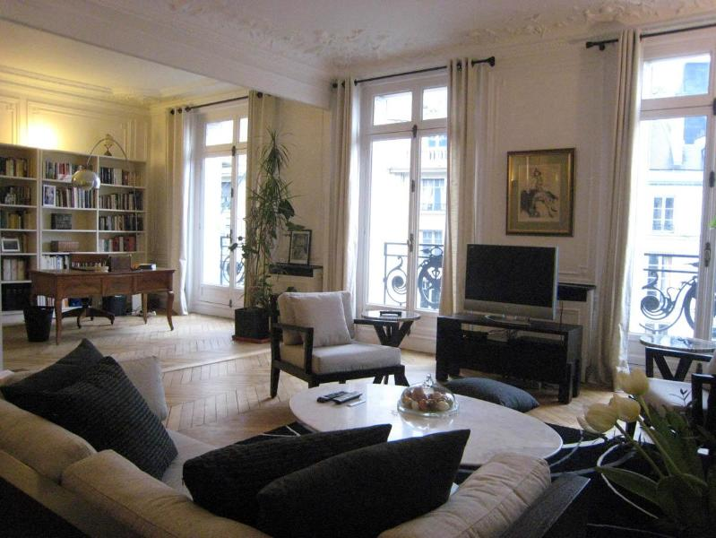 Living Room with TV, great views and open to the large Studio - Luxury Vacation in Saint-Germain des Pres, Paris - 7th Arrondissement Palais-Bourbon - rentals