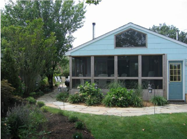 View of Screened Porch from Side Garden - West Hamptons House - Westhampton Beach - rentals
