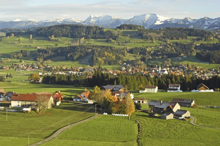 Weiler im Allgaeu (photo taken by Thomas Gretler) - House with 2 family-friendly apartments - GF+FF - Bavarian Alps - rentals