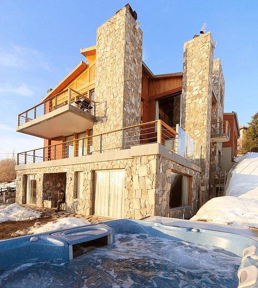 Casa Farellones - South west facade to ski field with hot tub - Chile Vacation Rental - Ski Chalet Rental in Chile - 4 bedroom - Farellones - rentals