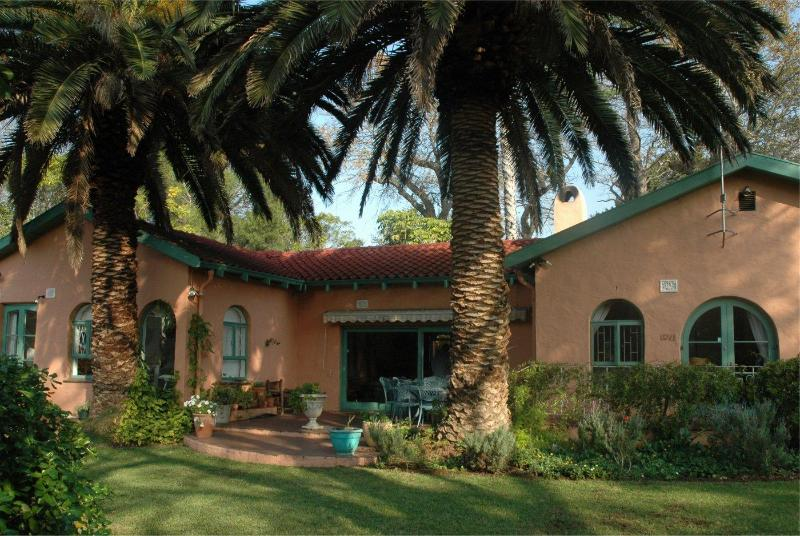 Breakfast terrace - La Pastorale, guesthouse or rented home - Cape Town - rentals