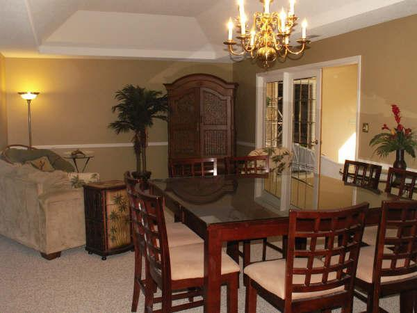 Living Room - Sea Pines, 5 bedroom, 4 bath, 5th row home, pool - Hilton Head - rentals