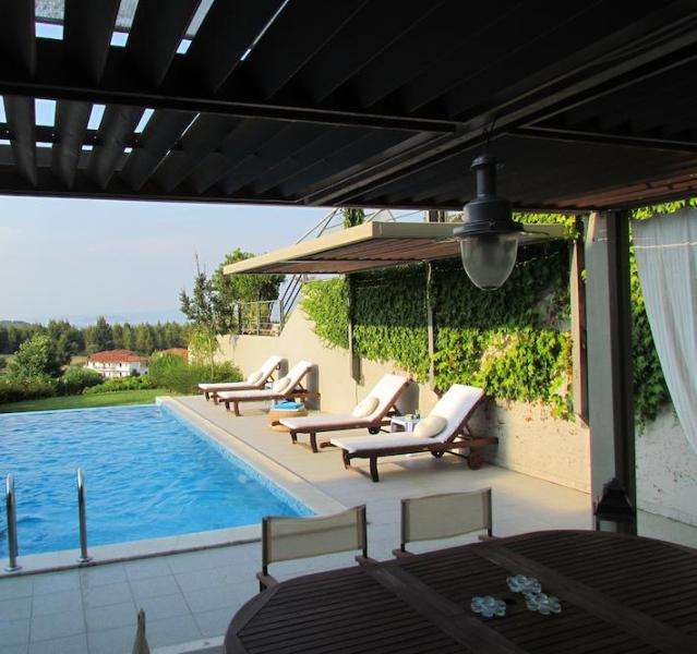 Outside dining area and private pool - 3 Bedroom Villa With Sea View And Private Pool - Paliouri - rentals