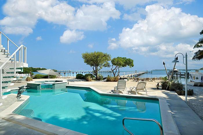 "Oceanfront Pool and Dock - "" Tropical Paradise"" Oceanfront Estate - Tavernier - rentals"