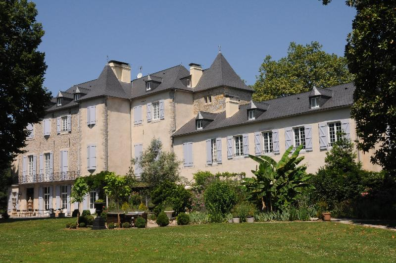 Chateau de Lamothe - Chambres d'hotes in beautiful Chateau de Lamothe - Moumour - rentals