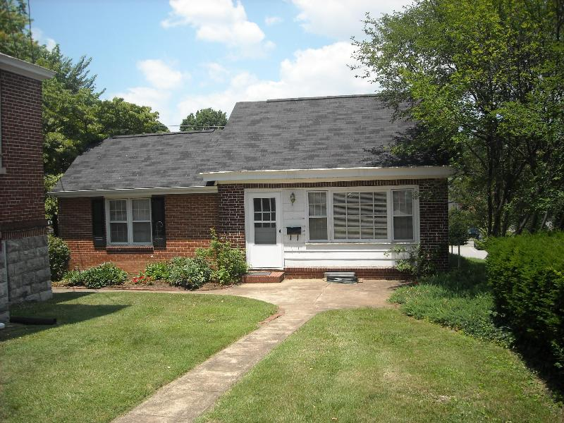 Carriage House - Roanoke, VA..Furnished ,1bdrm, carriage house - Roanoke - rentals