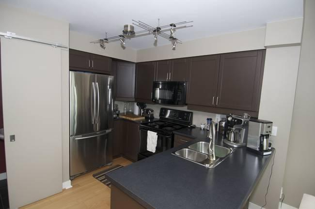 Kitchen  - EDIT 4 - Toronto - rentals