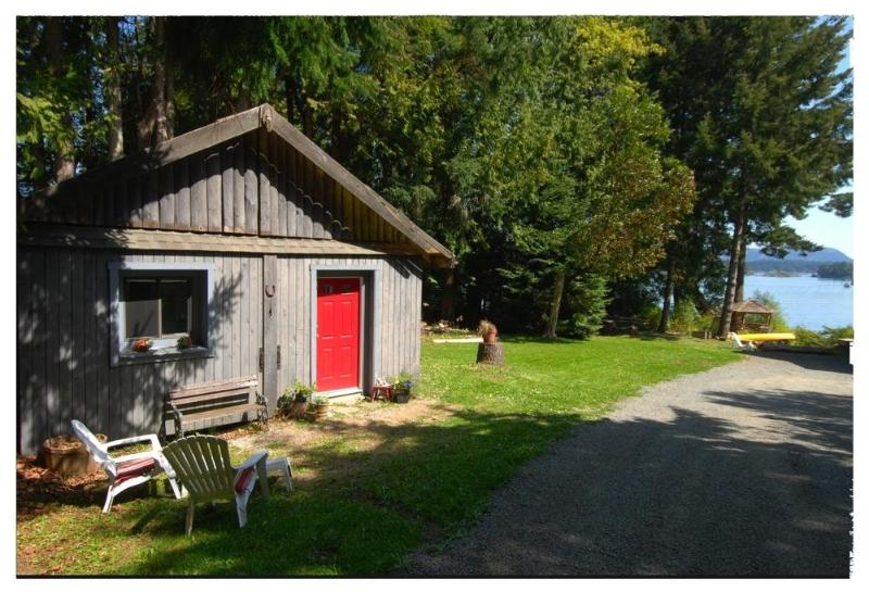 The cottage is a converted barn. - Charming cottage a stone's throw from ocean... - Salt Spring Island - rentals