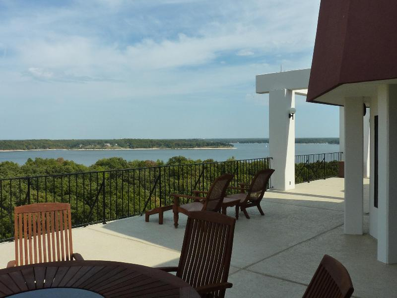 Spectacular Penthouse Suite/Private rooftop pool - Image 1 - Afton - rentals