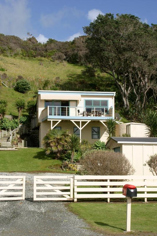 Taupo bay Beach House from road - Taupo Bay Beach House - Northland - rentals
