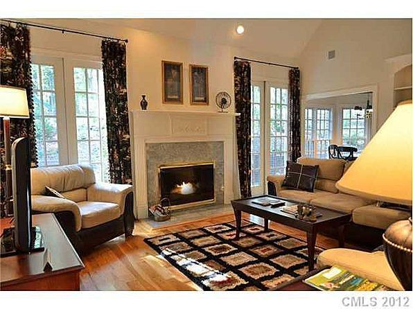 Enjoy a cozy fire - 4 bed. home in NC's #2 private golf club community - New London - rentals