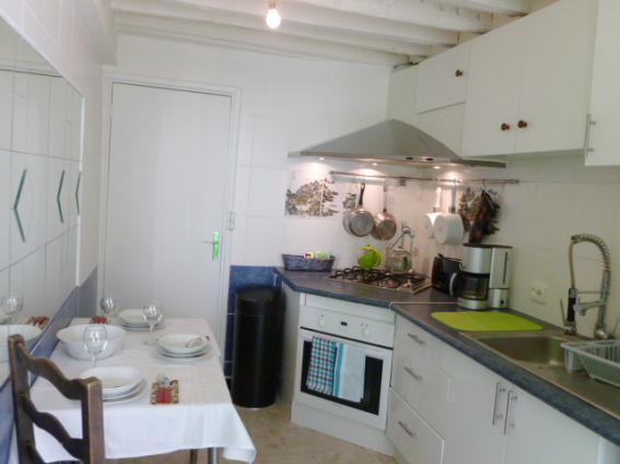 Well equipped kitchen - Saint Eustache Place SUPER LOCATION GREAT VALUE - Paris - rentals