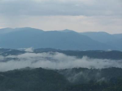 MOONSHINE COTTAGE-Unique cabin w/GREAT MTN. VIEWS - Image 1 - Pigeon Forge - rentals