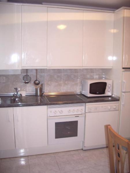 THREE ROOMS, WELL LOCATED AND WITH GARAGE - Image 1 - San Sebastian - Donostia - rentals