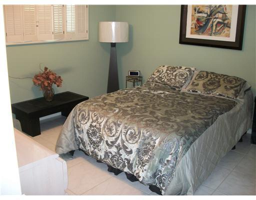 Beautiful Condo in Gated Country Club Community - Image 1 - Lake Worth - rentals