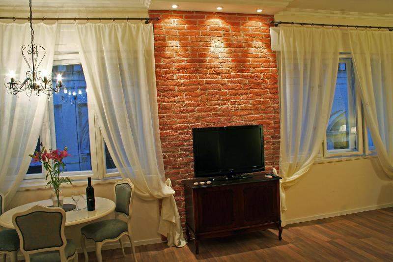 Authentic apartment in the heart of old town - Image 1 - Split - rentals