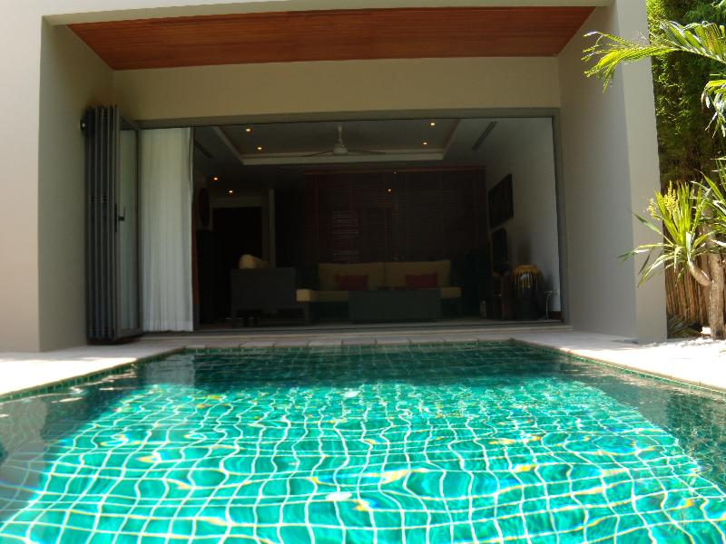 The living room opens onto the private pool - Luxury villa with private pool near Bang Tao beach - Bang Tao - rentals