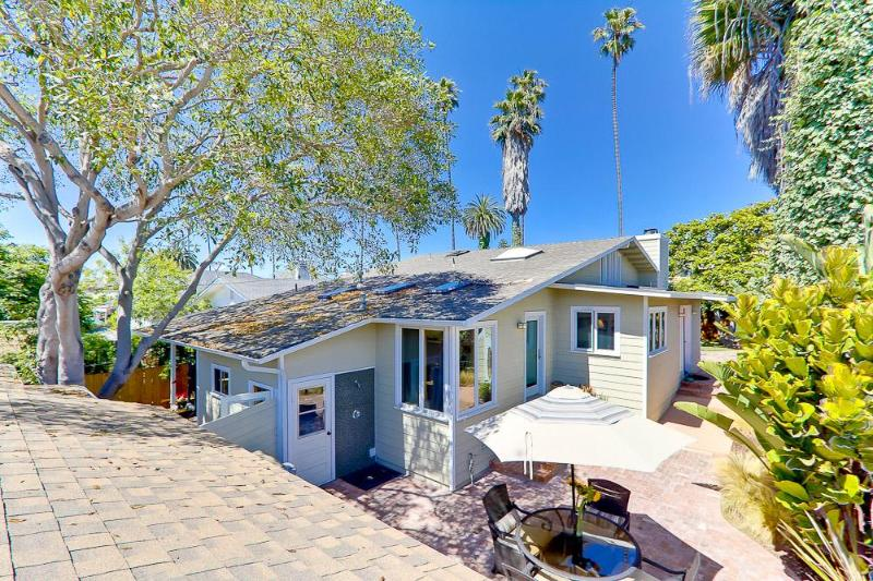 Private, enclosed vacation home - Sunny La Jolla Home-  Prime Village Location! - La Jolla - rentals
