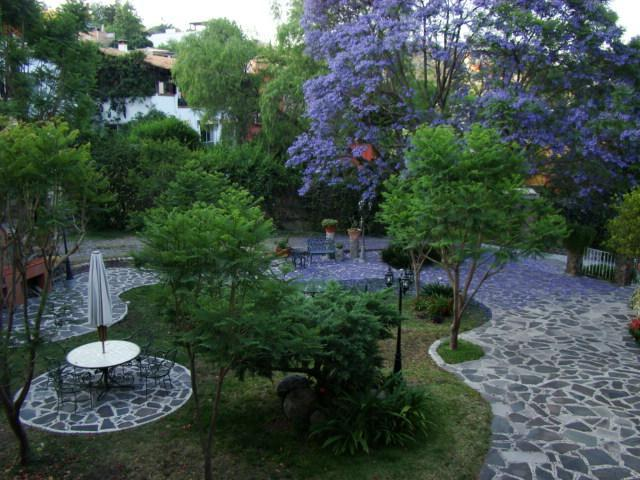 Apt surrounded by colorful garden SM's Centro - Image 1 - San Miguel de Allende - rentals