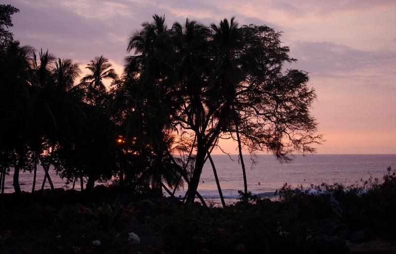 Dusk on the Lanai - *HONEYMOON PARADISE* OCEANFRONT BEACH HOUSE - Kailua-Kona - rentals