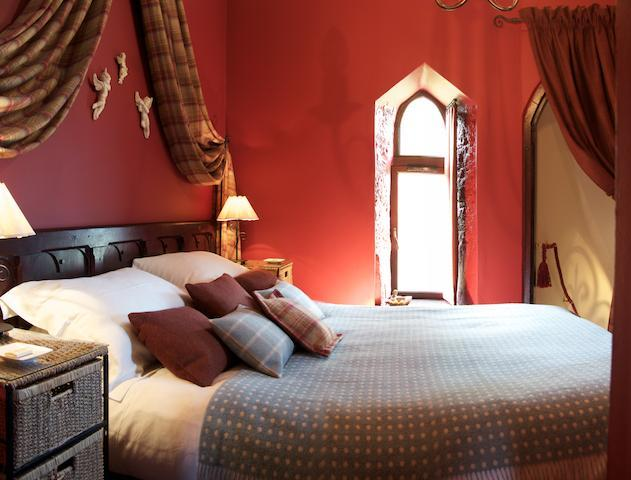 Double bedroom off the spiral staircase - The Tower House - Five star accommodation for 2 - Dunning - rentals