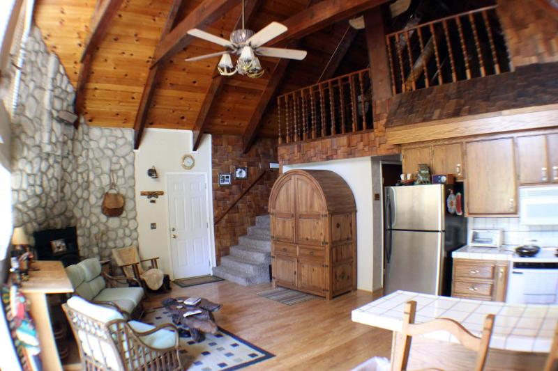 Luxury Cabin living area. Rustic furnishings, HD Satellite TV, DVD, Rock walled fireplace. - Luxury BR/2BA Cabin by Pinecrest Lake & Strawberry - Cold Springs - rentals