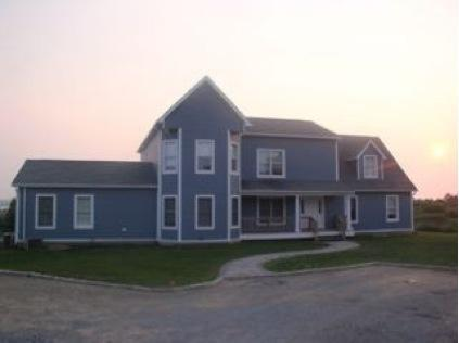 Front of The House - 6 Bedroom home with pool overlooking Montauk Lake - Montauk - rentals