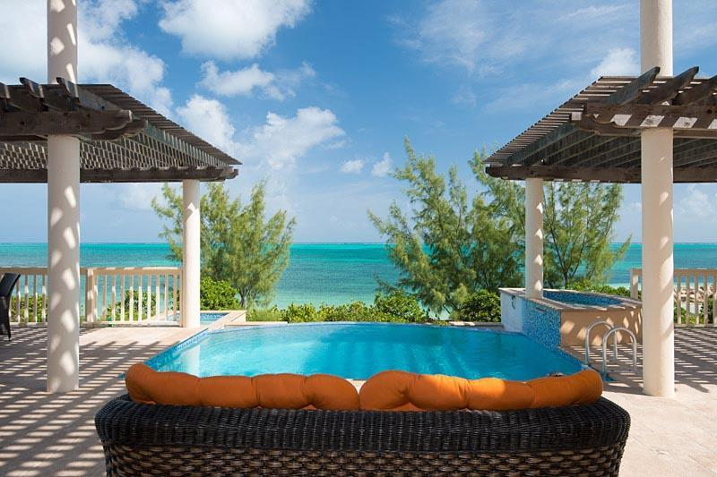 Pool and view - Seahorse Villa, Turks & Caicos, Babalua Beachfront - Providenciales - rentals