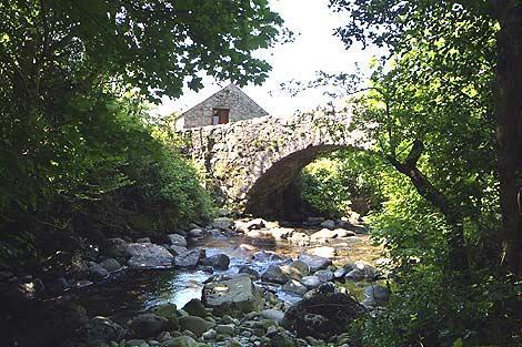 Whillan Beck Cottage behind 17th Century Packhorse Bridge - Whillan Beck Cottage, Lake District National Park - Cumbria - rentals