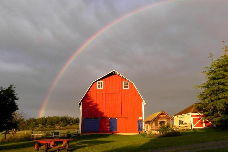 Late afternoon rainbow - Jenne Farm Gathering House on Ebey's Prairie - Coupeville - rentals