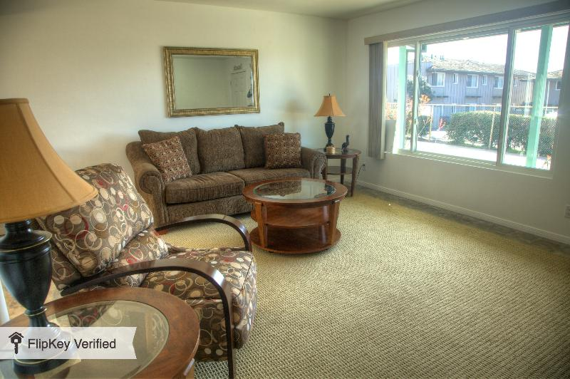 2 bedroom with Ocean View in North Pacific Beach - Image 1 - San Diego - rentals